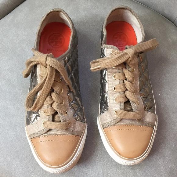 838ef9efa0154 Tory Burch sneakers. Tory Burch. M 5b9e69f3194dadce3bd980c2.  M 5b9e69fd04e33d027a4dc377. M 5b9e6a076a0bb70cfb31f7ca.  M 5b9e6a0fbb7615b81707cf3c